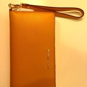 Michael Kors Leather Zip Around Wallet (Marigold)